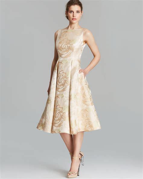 Dress Branded White Floral Dress Wanita Dress Pesta 13 model baju brokat lengan pendek wanita modern