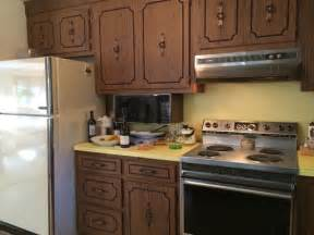 Paint Veneer Kitchen Cabinets by Painting Or Refacing Formica Cabinets