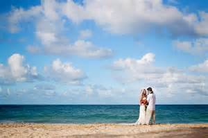 Traci and chad a hawaii beach wedding oahu photographer michelle