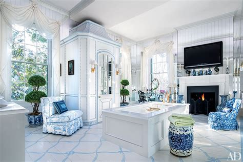 patricia altschul charleston mansion decorated by mario mario buatta decorates a stately charleston mansion for