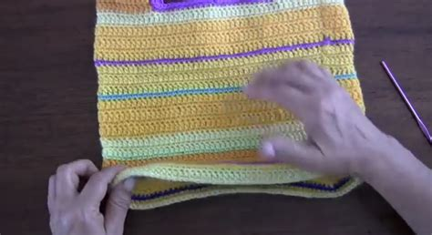 cartera o bolso con asa tejido a crochet youtube cartera con asa tejida a crochet simple crochet