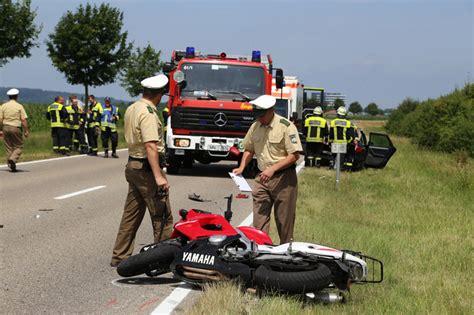 Unfall Motorrad T Dlich by B16 Dirlewang Mindelheim Motorradfahrer F 228 Hrt Auf Pkw