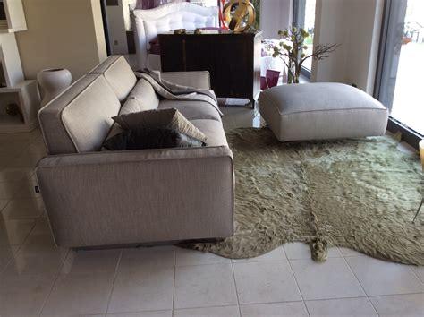 divani con pouf divano modello mizar con pouff divani a prezzi scontati