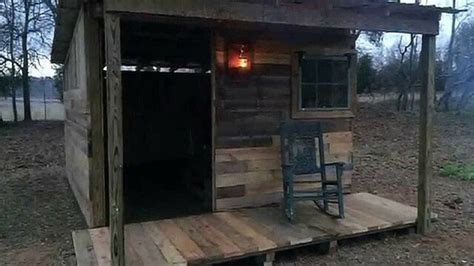 Pallet Cabins by How To Build A Pallet Cabin Thehomesteadingboards