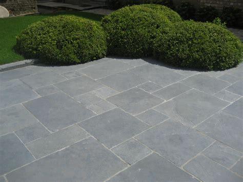 terrasse 60x40 dalles de terrasse calcaire noir