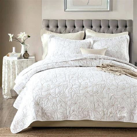 white bed coverlet white quilts king boltonphoenixtheatre com