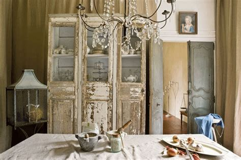 Romantic Chandeliers Bedroom The Paper Mulberry The Fabulous French Chateau