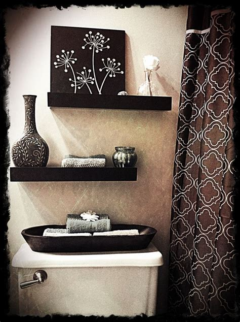 bathroom wall decoration ideas 25 best ideas about bathroom wall decor on pinterest
