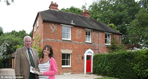 middleton home kate and pippa middleton s childhood home was hardly