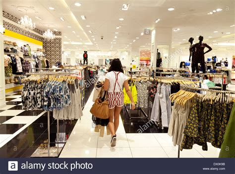 dubai mall store buying clothes in the forever 21 store dubai mall