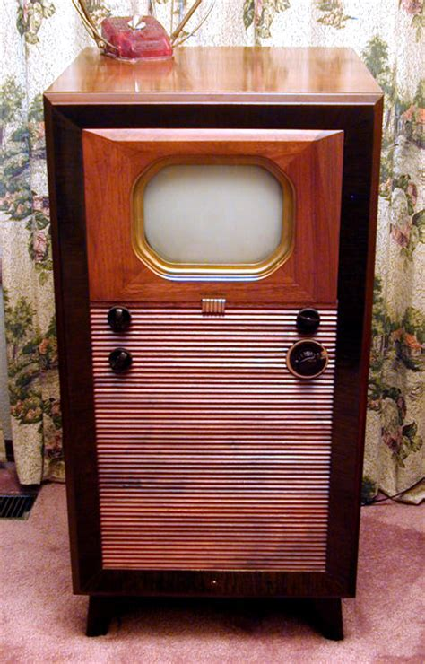 RCA 721TCS Console Television (1947)