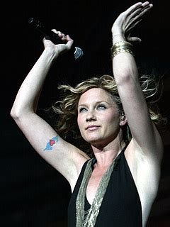 jennifer nettles tattoo sugarland s nettles believes