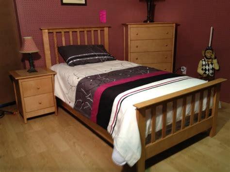 mobilier chambre enfant mobilier de chambre 224 coucher pour enfant en merisier enfant