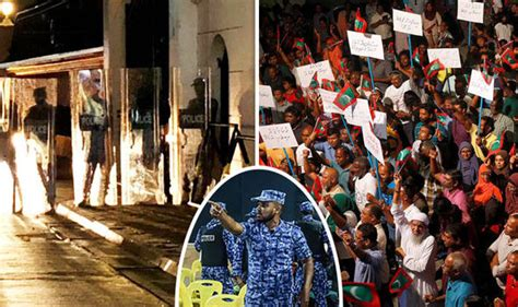maldives crisis state of emergency declared by president abdulla yameen world news