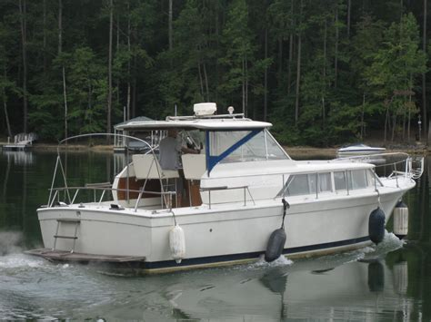 chris craft boats headquarters chris craft 31 commander kaufen boats