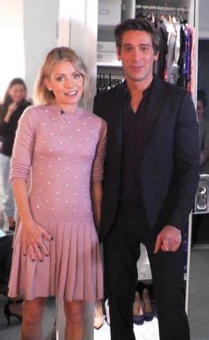 how does kelly ripa get those scrunchy waves in her hair kelly ripa wore this cute pink with pearls chanel dress