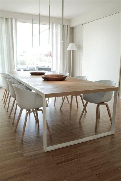 Ordinaire idee salon salle a manger #1: salle-a-manger-jolie-table-salle-a-manger-design-en-bois-et-chaises-blanches.jpg