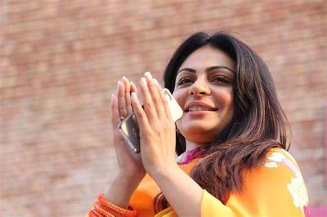 punjabi film actress image punjabi actress neeru bajwa hot hd photos and unseen