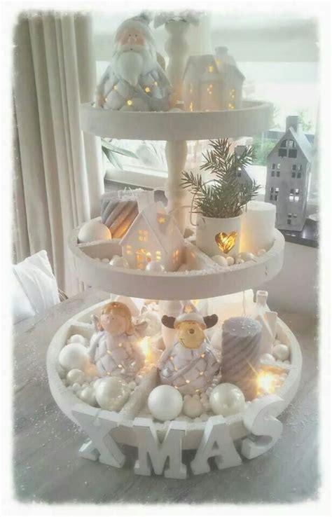 etagere weihnachten die besten 25 etagere weihnachtlich dekorieren ideen auf
