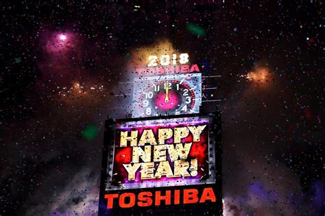 new year fireworks 2018 new york new year s 2018 photos new year s 2018 in new