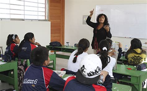 aumento de sueldo de profesores la palabra profesores contratados reciben aumento de