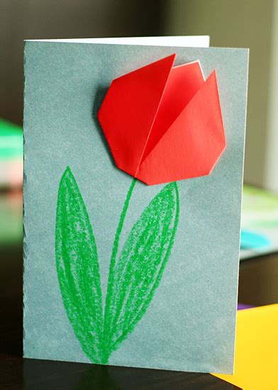 Tulip Origami - create springtime with simple origami tulips make