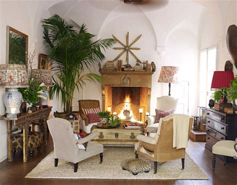 4 Chairs In Living Room Eye For Design Tropical Colonial Interiors