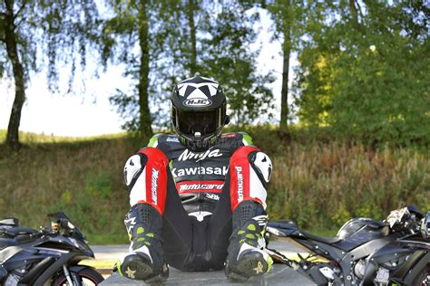 Motorrad Lederkombi Kawasaki by Gearbiker S Home Biker Unterwegs Mit Kawasaki Lederkombi 1