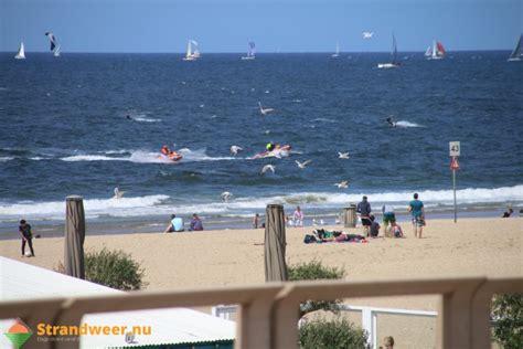 scheveningen catamaran catamaran omgeslagen op zee strandweer nu