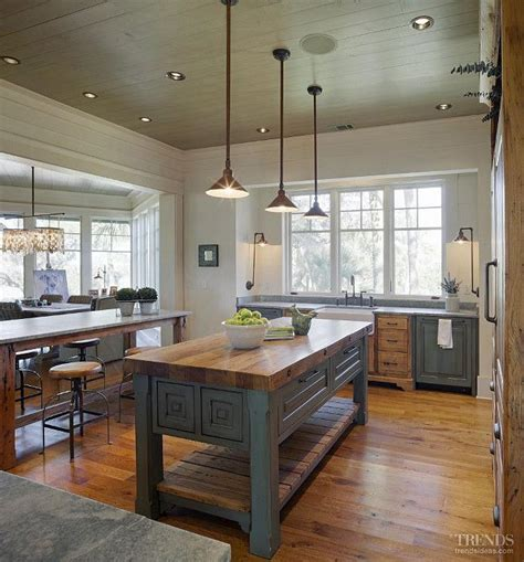 farmhouse island kitchen 25 best ideas about butcher block tables on pinterest