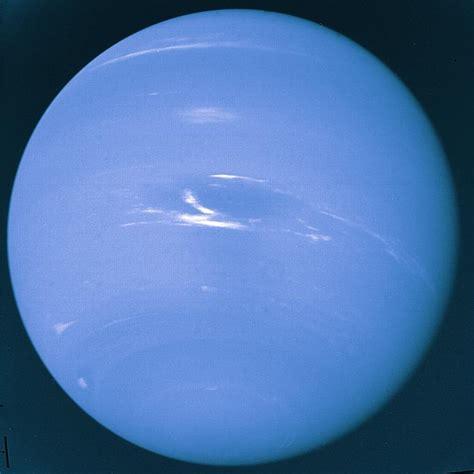 giant planets hydrogen  helium