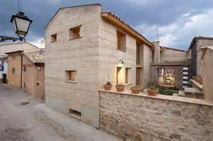 Earth Homes Architectural Revival Sustainable Rammed Earth House In Spain