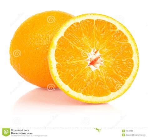 imagenes de uñas pintadas ala mitad naranja entera y partida en dos imagen de archivo imagen