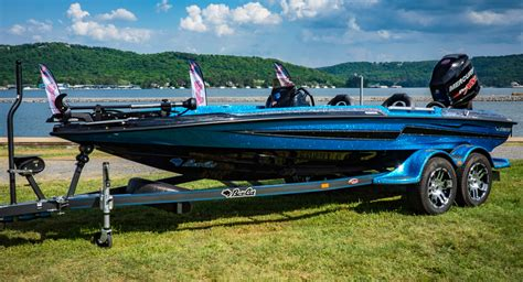 phoenix boats vs bass cat lynx bass cat boats