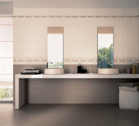 Bagno Moderno Marrone E Beige by Pavimenti E Rivestimenti Per La Cucina Moda Ceramica
