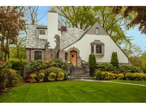 the homes for sale in new rochelle new rochelle