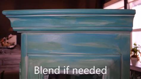 chalk paint using 2 colors how to easily layer colors