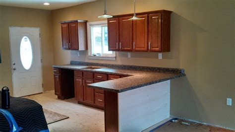 lowes stock kitchen cabinets lowe s in stock cabinets