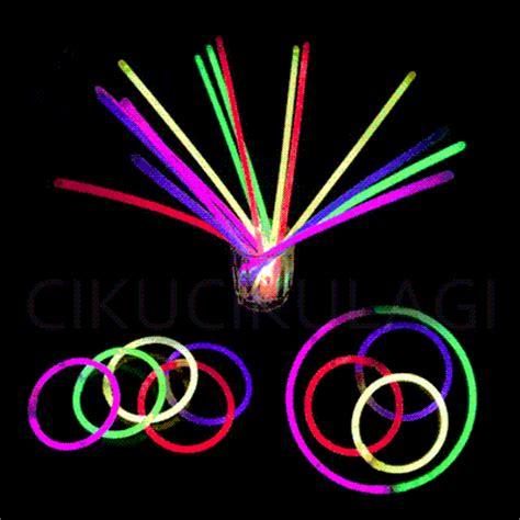 Glow Stick Gelang Fosfor Pesta Konser Natal Nyala terjual glow stick fosfor light gelang tongkat nyala warna warni pesta seribu perak