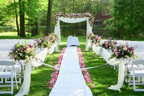 Garden Weddings Ideas Garden Wedding Trends Wedding Planning