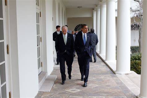 does vice president live in the white house file barack obama walking with joe biden jpg wikimedia commons