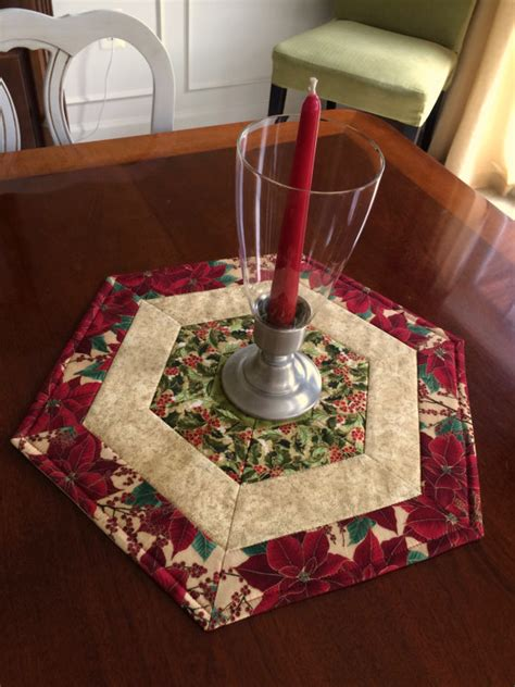 patterns quilted christmas table toppers christmas red green quilted hexagon table runner candle