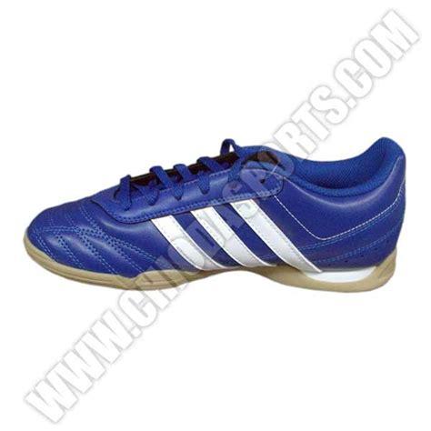 Sepatu Bola Terbaru Dan Harga sepatu futsal terbaru dan harganya