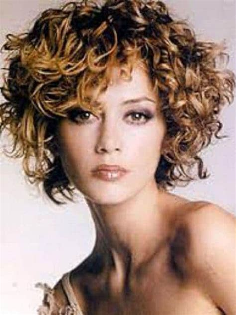 hairstyles for women with fat faces and wavy hair short curly haircuts for fat faces short and cuts hairstyles