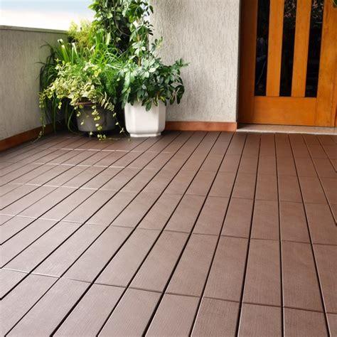pavimenti in legno da giardino pavimento per esterni flottante effetto legno easyplate