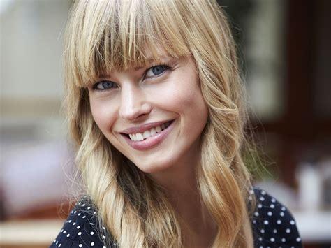 Bewerbungsfoto Befestigen Classic Frisuren Die Das Gesicht Schmaler Wirken Lassen