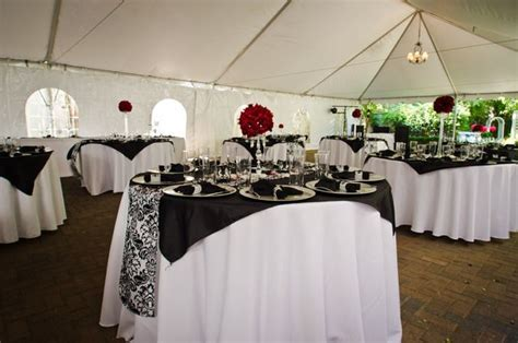 Black, White, Red Damask Wedding Party Ideas   Runners