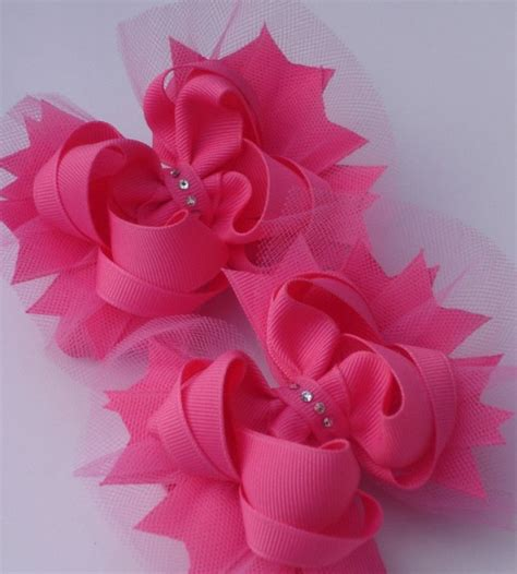 learn how to make bows free hair bow tutorial and video peppermint hair bows hair bow instructions learn