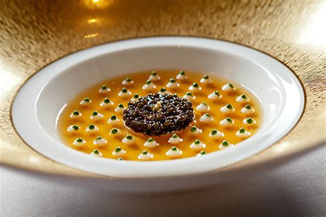 la cuisine de joel robuchon voyage de luxe au cœur des crus class 233 s weva votre