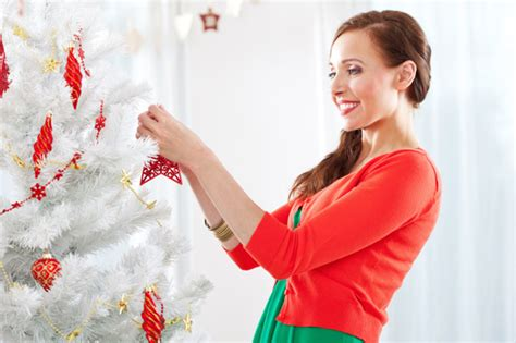 single mom trying to buy a house how to decorate your house for the holidays on a budget